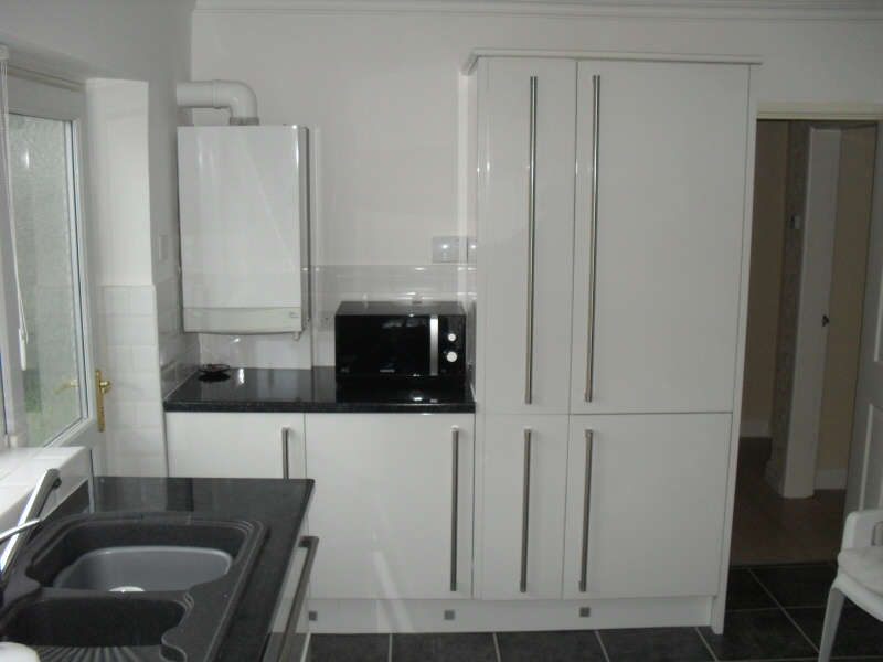 J c joinery fitted kitchens fitted bathrooms for Modern fitted kitchen